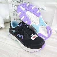 Skechers MAX CUSHIONING ARCH FIT 女健走鞋128301BKAQ 黑【iSport愛運動】