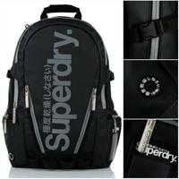 跩狗嚴選 極度乾燥 Superdry Bag 反光Logo 防水 後背包 15吋 筆電包 多夾層 書包
