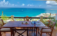 住宿 Pelican Ocean View Condominium.