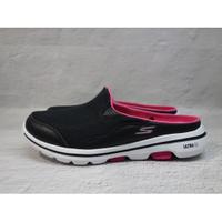 [麥修斯]SKECHERS GO WALK 5 拖鞋 休閒 懶人鞋 好穿脫 輕量 透氣 黑桃 女款 124023BKHP