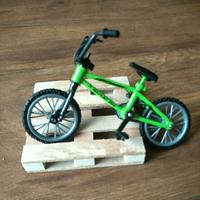 天母168 像真攀岩車 裝飾場景 腳踏車+木棧板 適用 SCX10  TRX-4  木馬人