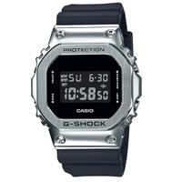 刷卡滿3千回饋5%點數|CASIO卡西歐G-SHOCK GM-5600-1經典的方型錶殼金屬質感輕巧貼合手腕舒適錶帶43.2mm