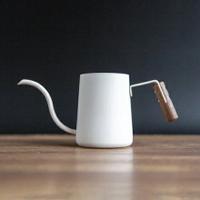 金時代書香咖啡 Minos 300ML 無蓋胡桃木耳掛手沖壺 白色 Minos-300ML-WH