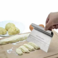 Stainless Steel Butter Dough Scraper Kitchen Flour Pastry Cake Bread Separator Scale Knife Cake Baking Calibration Blade